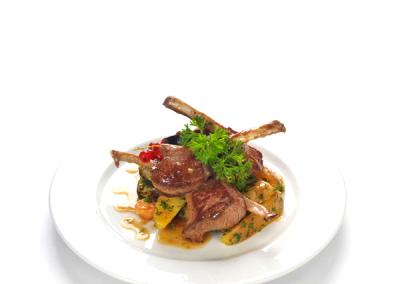 grill_báránygerinc-rozmaringos-cukkinivel