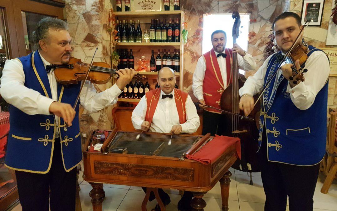 Salasovics Dezső és cigányzenekara minden este a Nagy Fa-Tál étteremben.